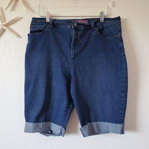 Gloria Vanderbilt Denim Jean Amanda Shorts Size 18